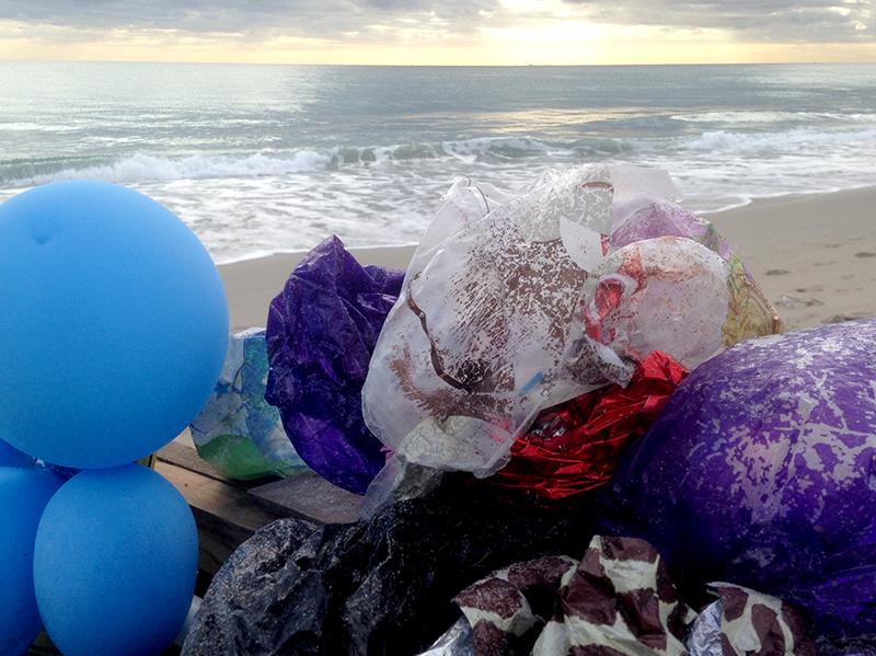 Beach_balloons