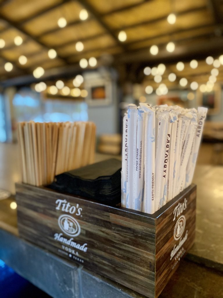 A Blue Table Restaurant Program partner, Hog Snappers Shack & Sushi provides customers with eco-friendly straws and drink stirrers as a way to reduce the amount of plastic offered in their restaurant.
